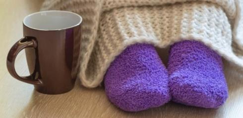 frio-inverno-caneca-de-cha-cobertor-meia-1464780817784_615x300